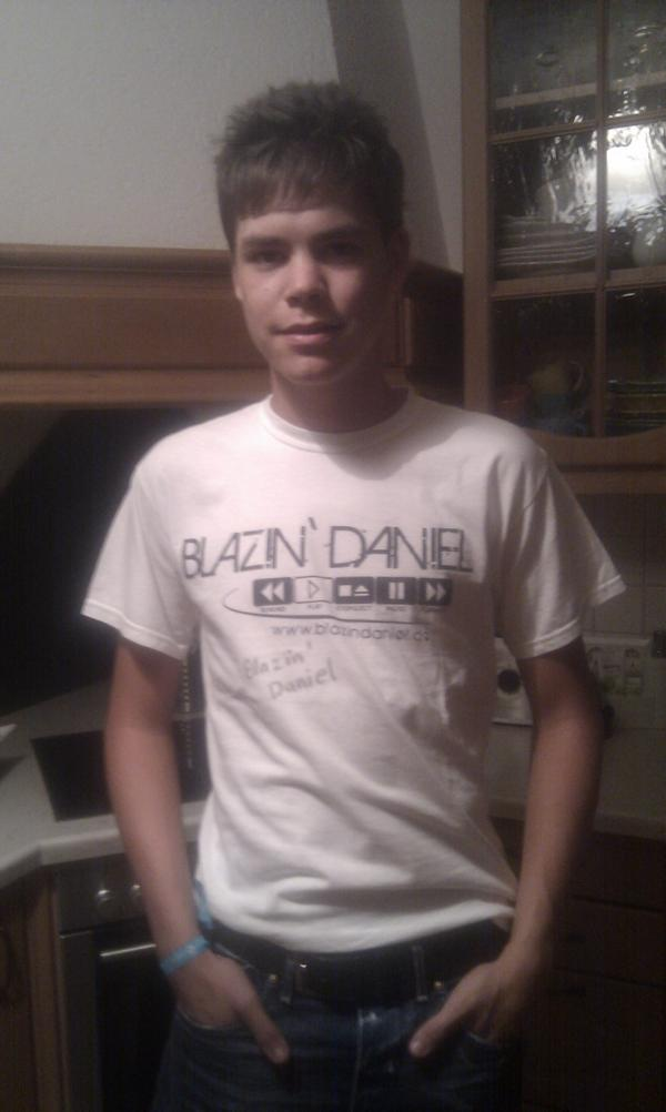 21. Standard-Shirt-Weiß-7-Maurice