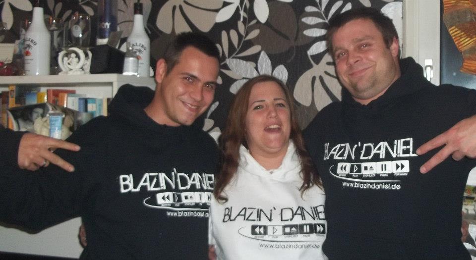 Josy-und-Freunde-in-Blazin-Wear