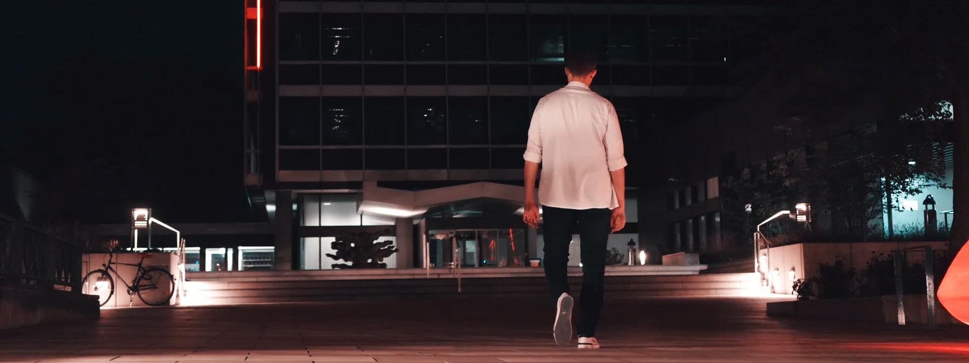 Blazin'Daniel - Nadine (Official Video) 60fps.00_00_56_33.Standbild010