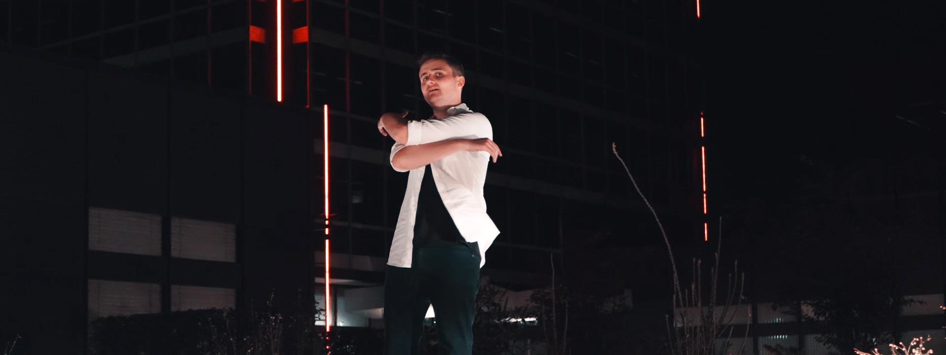 Blazin'Daniel - Nadine (Official Video) 60fps.00_01_45_34.Standbild019