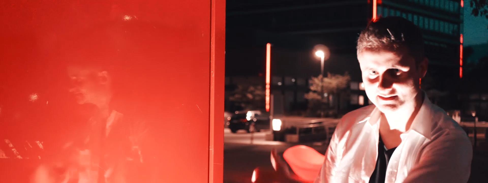 Blazin'Daniel - Nadine (Official Video) 60fps.00_02_46_27.Standbild031