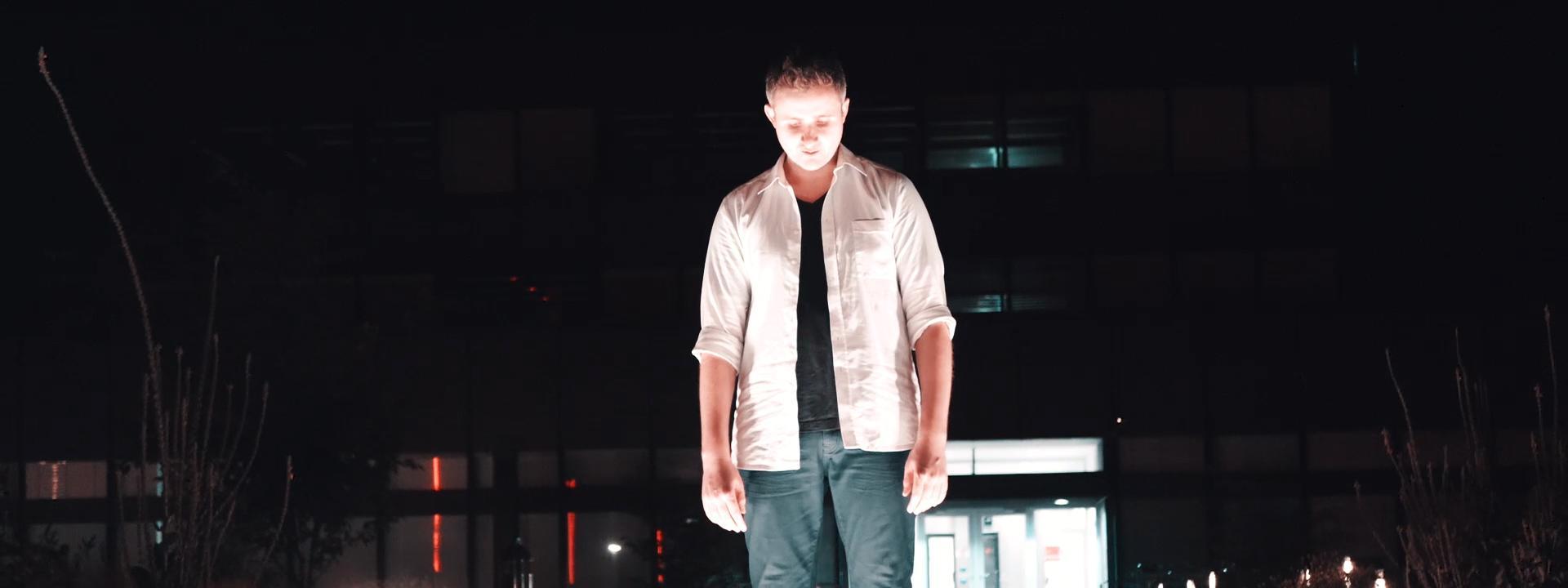 Blazin'Daniel - Nadine (Official Video) 60fps.00_07_11_26.Standbild072