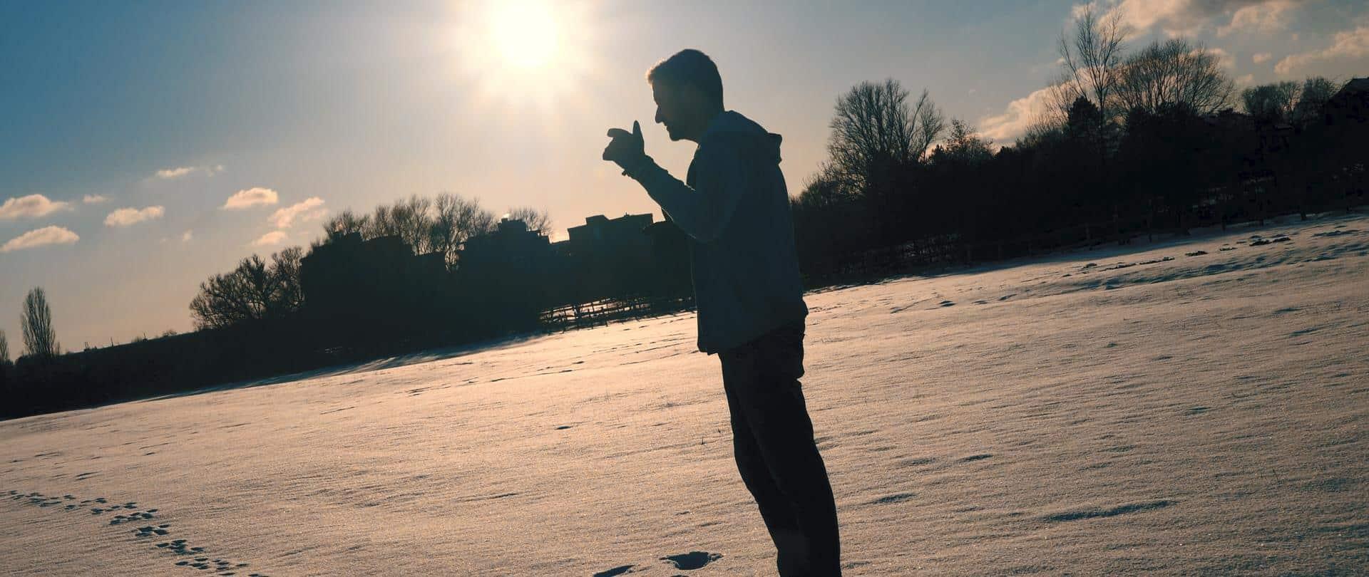 Blazin'Daniel - Aufstehen (Musikvideo).00_01_42_27.Standbild250